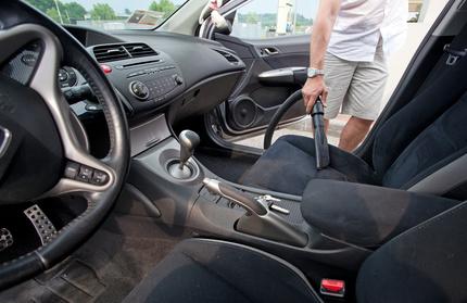 Vacuum Car Clean