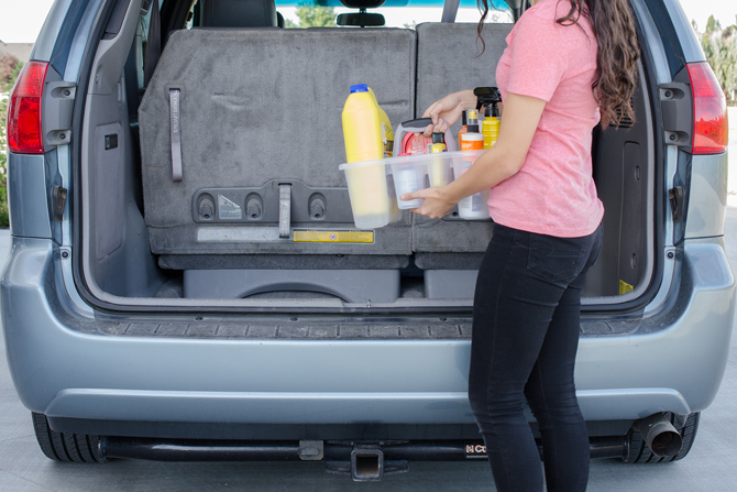 51 amazing car organization hacks tips tricks to use today 2018 shower caddy in car trunk solutioingenieria Choice Image